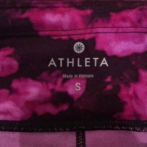 Athleta Pants - Athleta size small below knee length legging